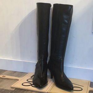 Nine West black kitten heel boots 7 1/2.